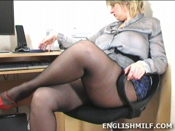big thighs in pantyhose