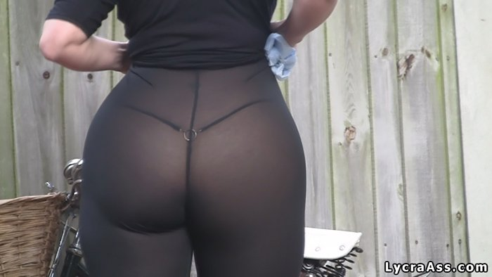 Big Booty Bike Wash In Thong Transparent Leggings